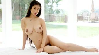 Jade Kush in 'Sensual Massage'